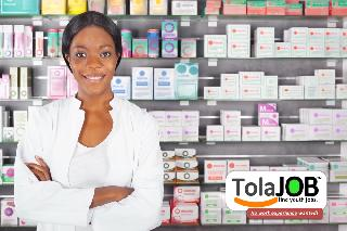 Do you want to work at Clicks? Clicks invites unemployed grade 12 youth for jobs or learnership as Pharmacist Assitants