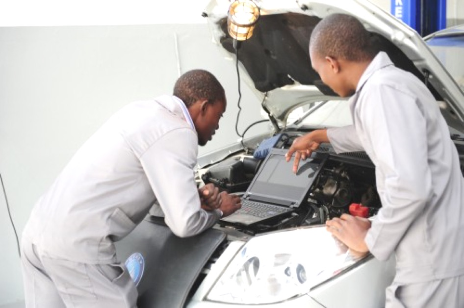Toyota wants matriculants for Auto-electrical job training or learnerships for 2018 for 2018