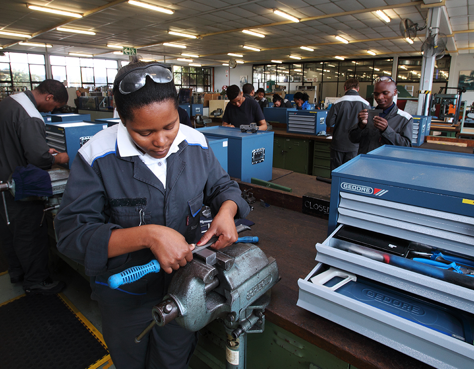 Unemployed matriculants wanted for Millwright job-training or learnership for 2018